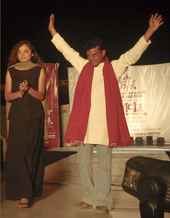 Khimjibhai Samat in KRV fashion show 2006